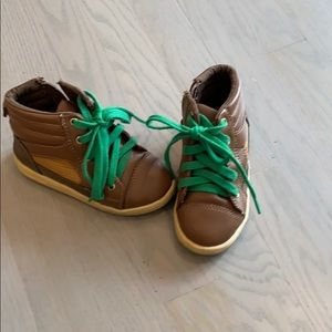 Baby Gap boys sneakers- toddler size 8